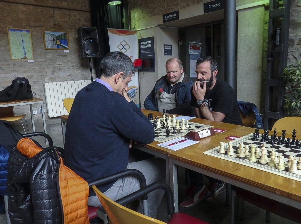 En Dani Pau vigilat per Rex Torsten (Foto: Jordi Alvarez)