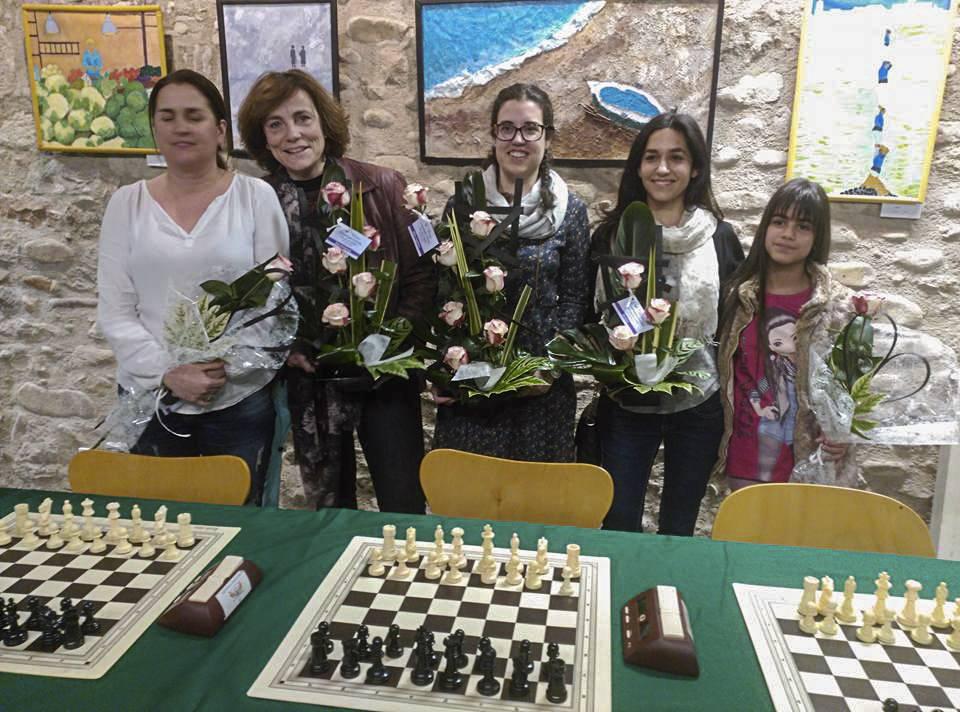 D'esquerra a dreta, Marta Roura, Marta Palés, Maria Vidal, Beatriz Mangas i Cristina Moreno.